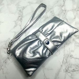 Handbags - Wristlet   Perfect for Events